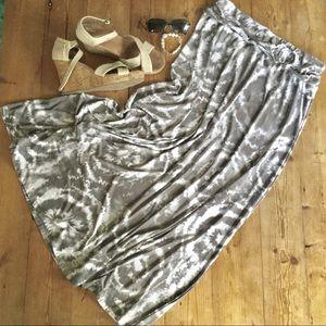 Robert Louis Gray & White Tie Dye Print Maxi Skirt